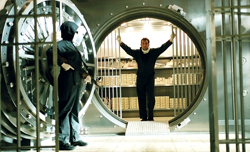 The basic premise is a bank robbery planned by a Dalton Russell (Clive Owen)
