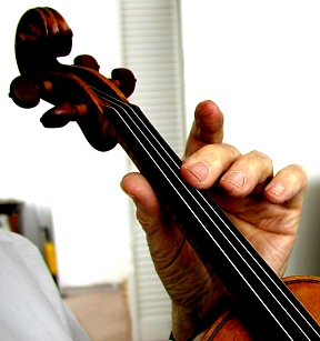 how to practice vibrato on violin